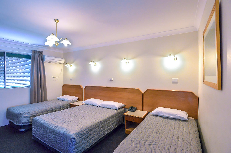 Standard-Family-Room-optimised   Narellan Motor Inn