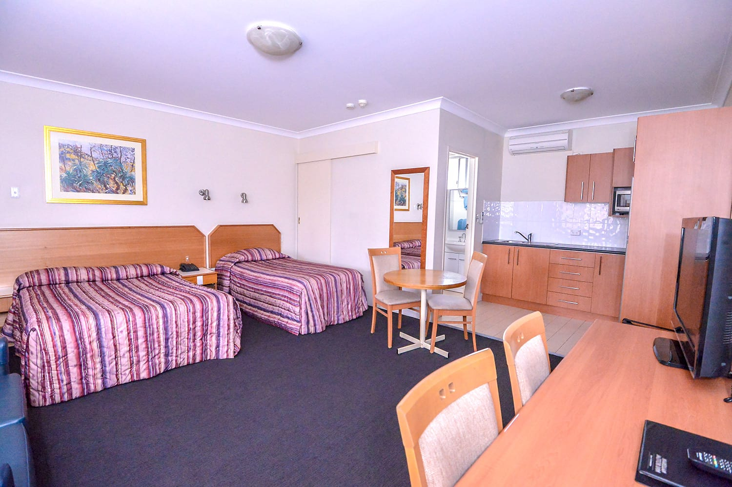 Studio-room-with-Kitchenette | Narellan Motor Inn